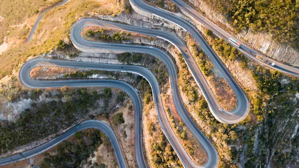 carretera curvas angola