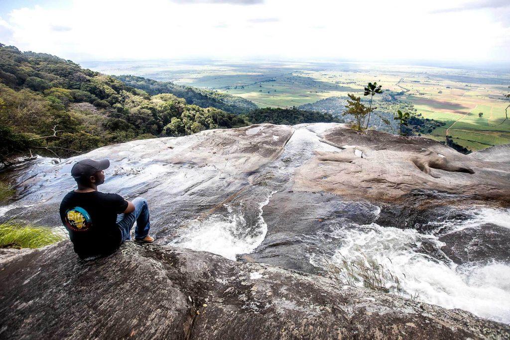 unzungwa-waterfall-landscape-logorift-1