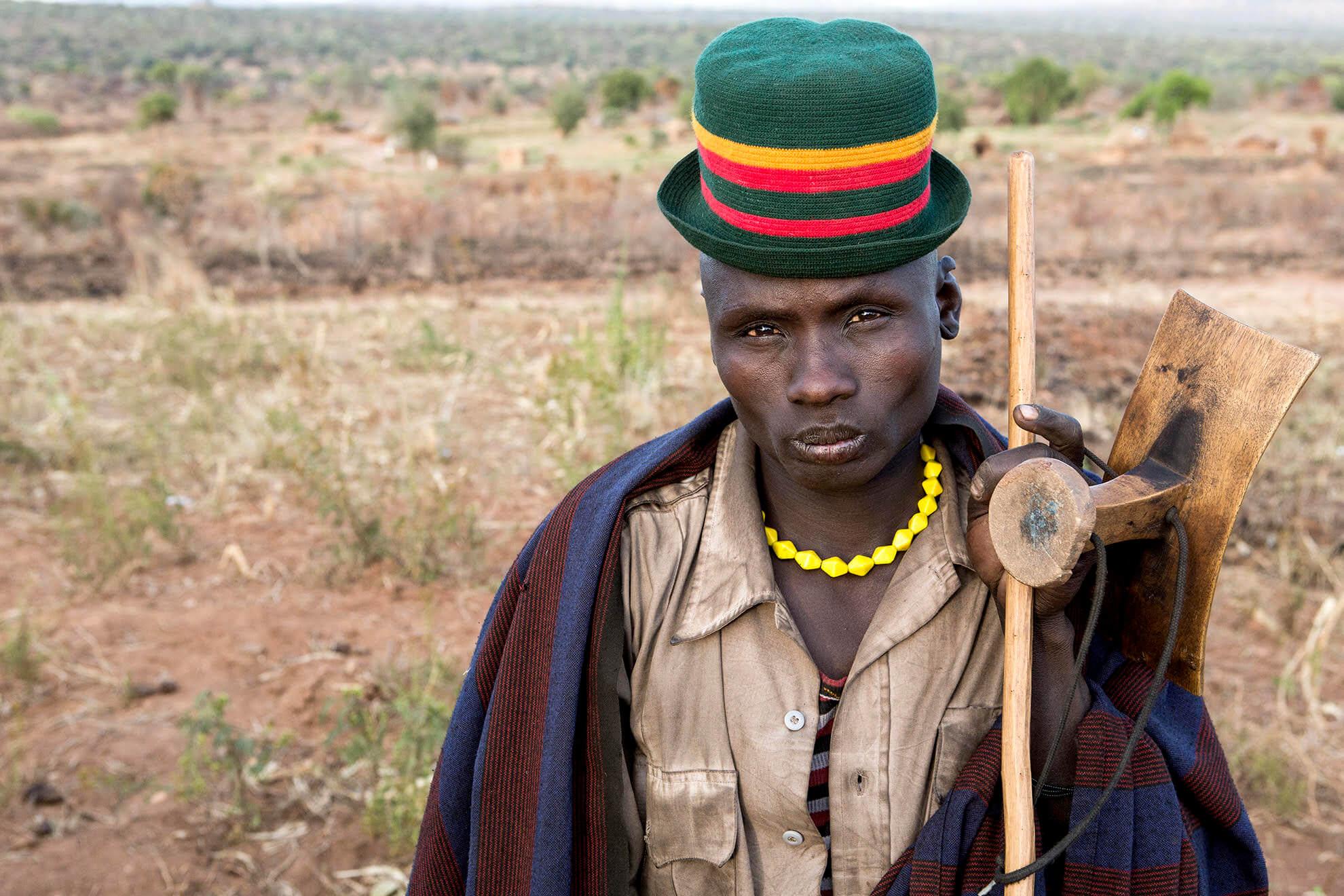 viaje uganda etnia karamajong
